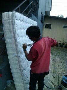 jasa cuci sofa bekasi (3)